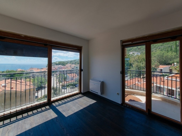 Penthouse in Petrovac No. 334